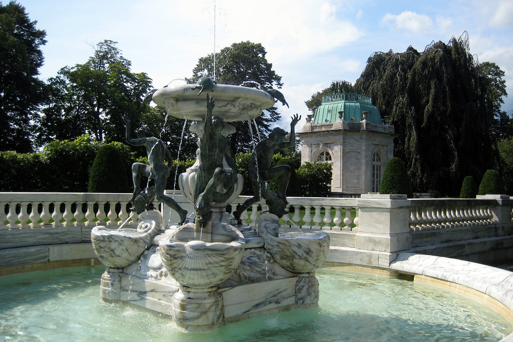 RI  Newport The Elms  fountain  The Elms located at