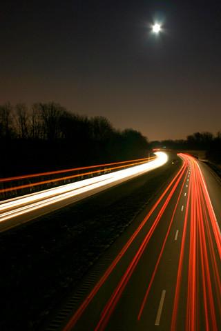 Expressway at night iPhone wallpaper | Long exposure shot ...