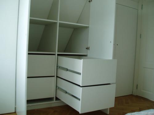 inbouwkast slaapkamer op zolder onder schuin dak  Flickr