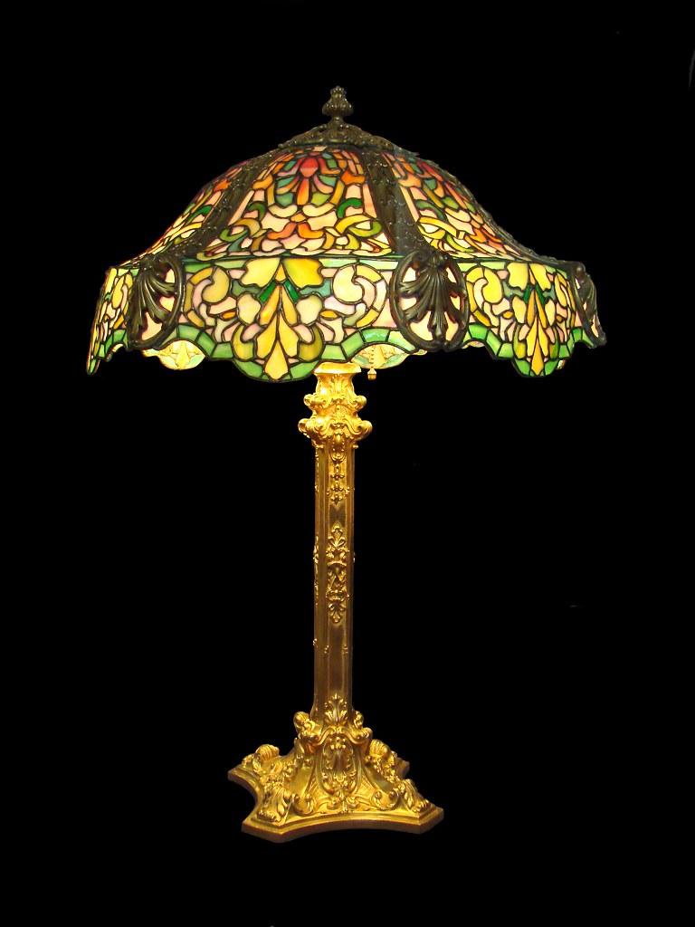 Lampe de Louis Comfort Tiffany muse des arts dcoratifs