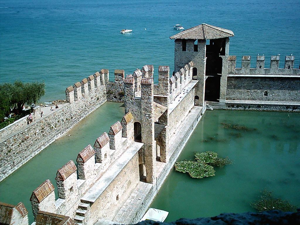 Castello Scaligero Sirmione  Vista sul lago dallinterno   Flickr