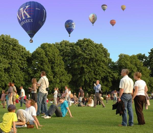 Dsc 7727b2 Montage Of Balloons Bob Henry