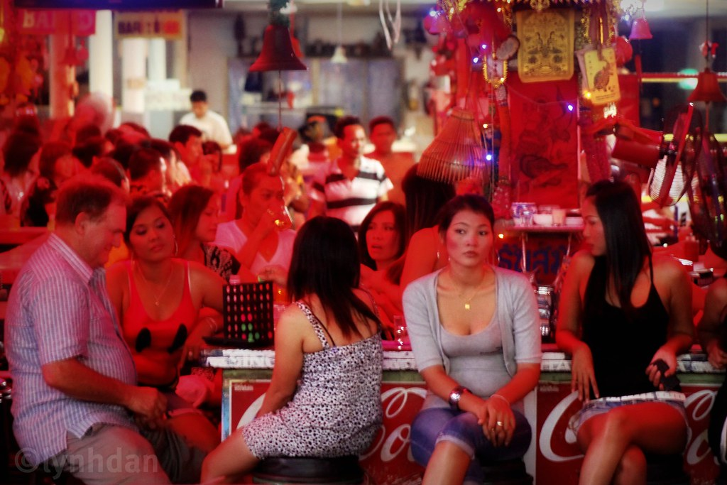 Connect Four A Typical Local Scene Here In Pattaya Pattay Flickr