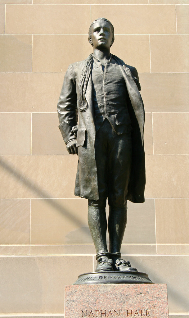 Nathan Hale Hanged At 21 This Statue In Front Of The