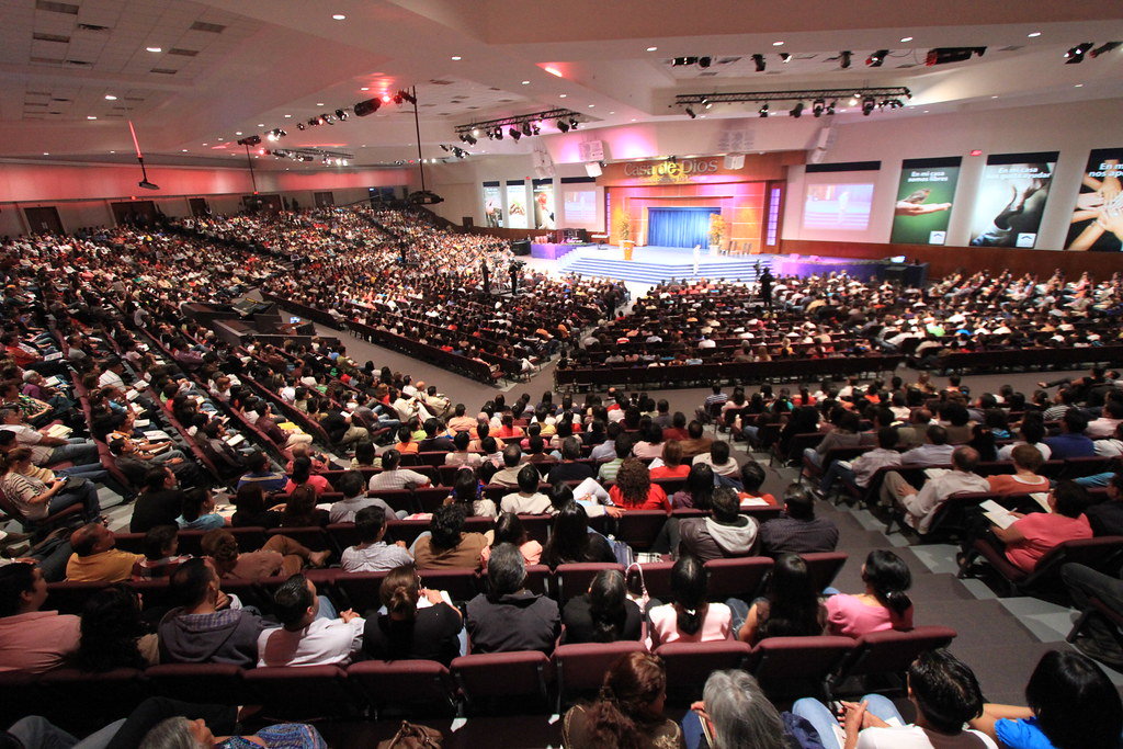 Templo Casa de Dios  Predica Dominical del Pastor Cash Luna  Flickr