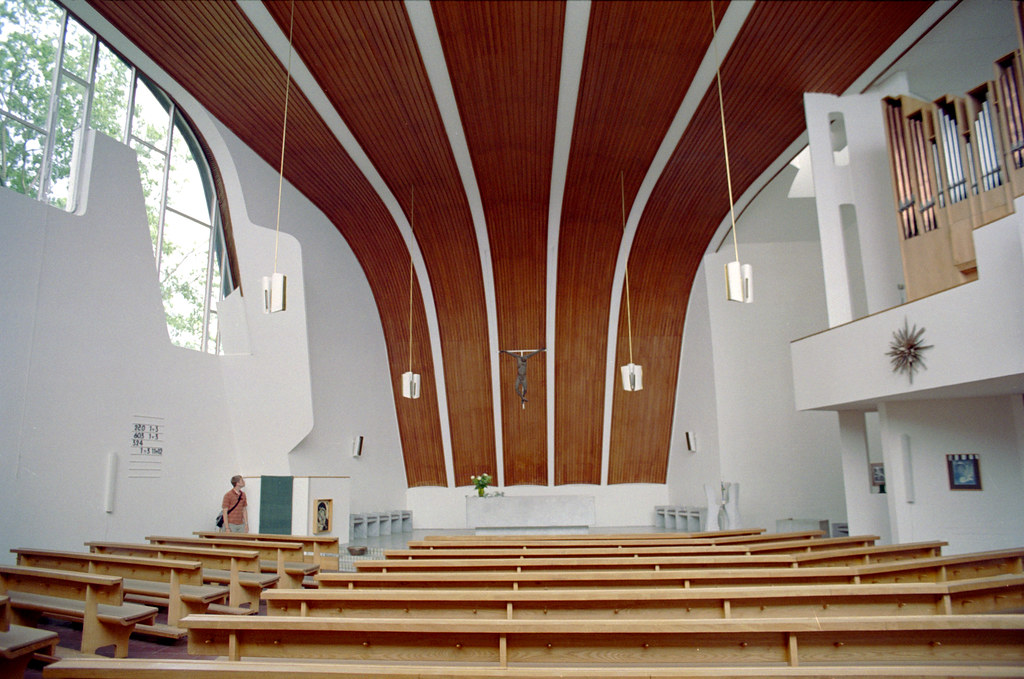Wolfsburg Heilig Geist Kirche Interior 1 Apparently I