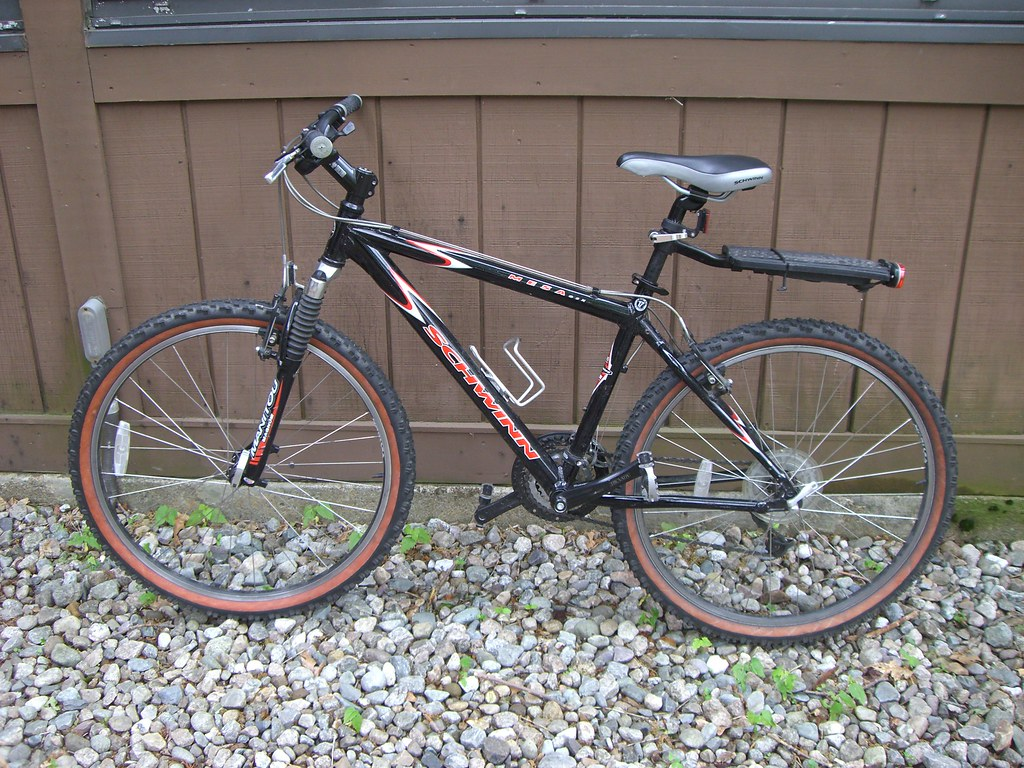 Schwinn Mountain Bike  2001 Schwinn Mesa GSX Lightweight