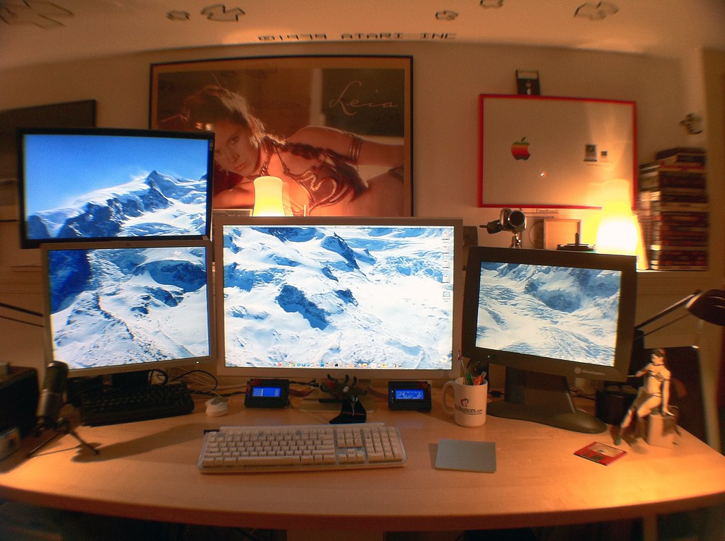 the Mac Pro setup  My Mac Pro 2006 rev 1 setup as it