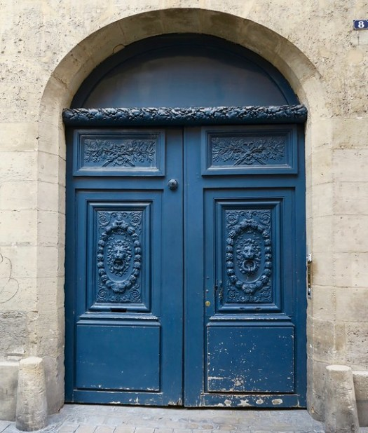The beautiful blue door to the building where we stayed.