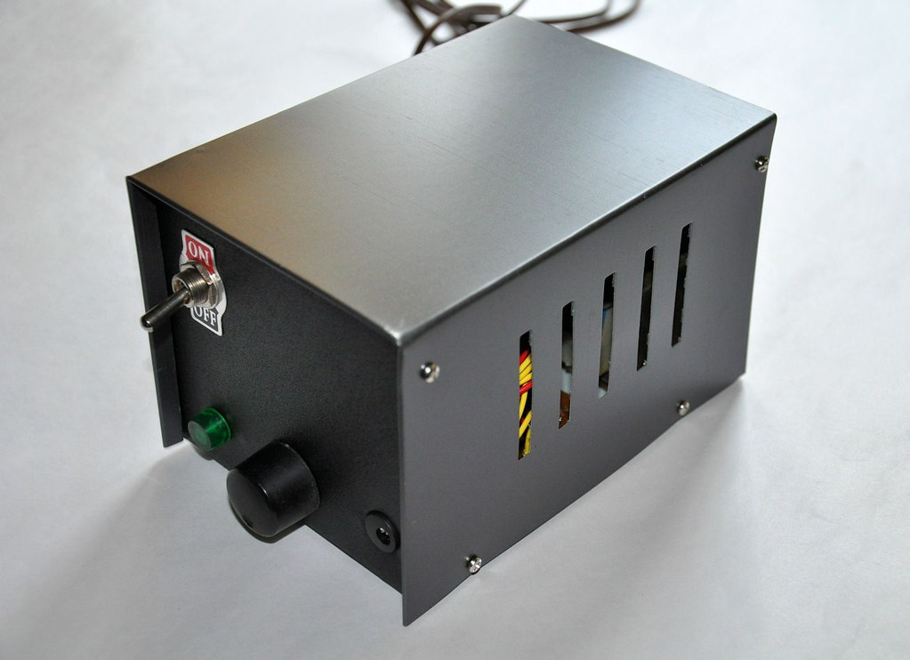 Low Voltage Power Supply Without Transformer