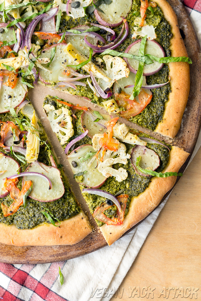 Pesto Potato Pizza - Easy, homemade, and oh-so-delicious! #vegan #soyfree