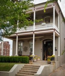 Davis-mitchell House 1872 901 Crawford St Vicksburg