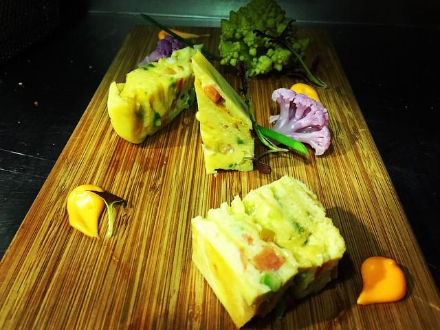 Dashi-maki tamago o Tamagoyaki.