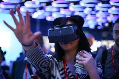 La realidad virtual se incorpora al pago móvil, así lo vimos en el MWC17.