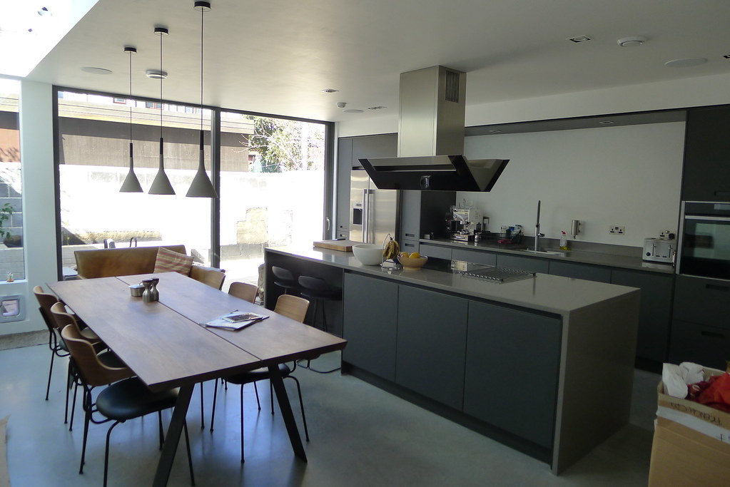 Kitchen Island With Stools Ideas Planning A Kichen..would You Put A Cooker Or Sink On An