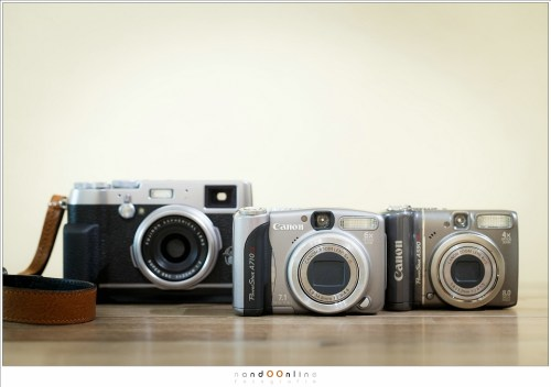 De X100t is niet heel klein. Vergeleken met enkele, wat oudere, compactcamera's van Canon is het een grote camera.