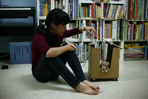 【玩紙箱】紙箱+輪子=孩子的玩具箱(11.5ys)
