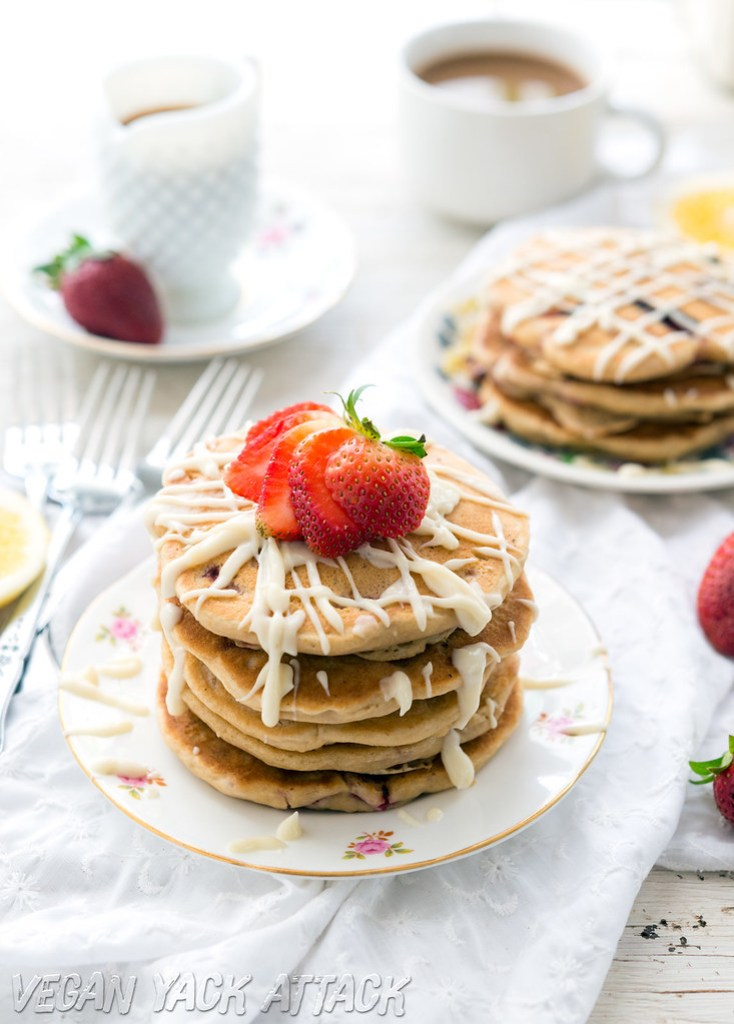 Fluffy #Vegan Strawberry White Chocolate Pancakes- Easy, Kid-friendly and SO tasty! #vegan