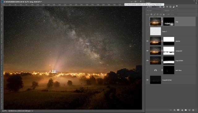 Ten slotte wordt de gestackte ISO12.800 foto van de sterrenhemel toegevoegd. Met een masker wordt een mooi overloop gemaakt.