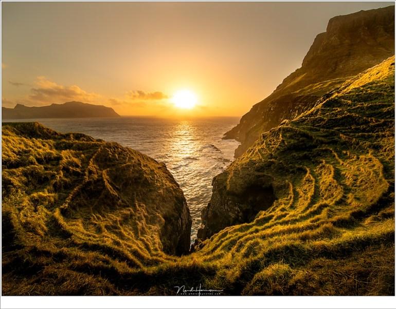 Een fantastisch uitzicht vanaf Gásadalur; een die ik nog niet eerder op internet gezien heb. (12mm | ISO100 | f/16 | 1/40)