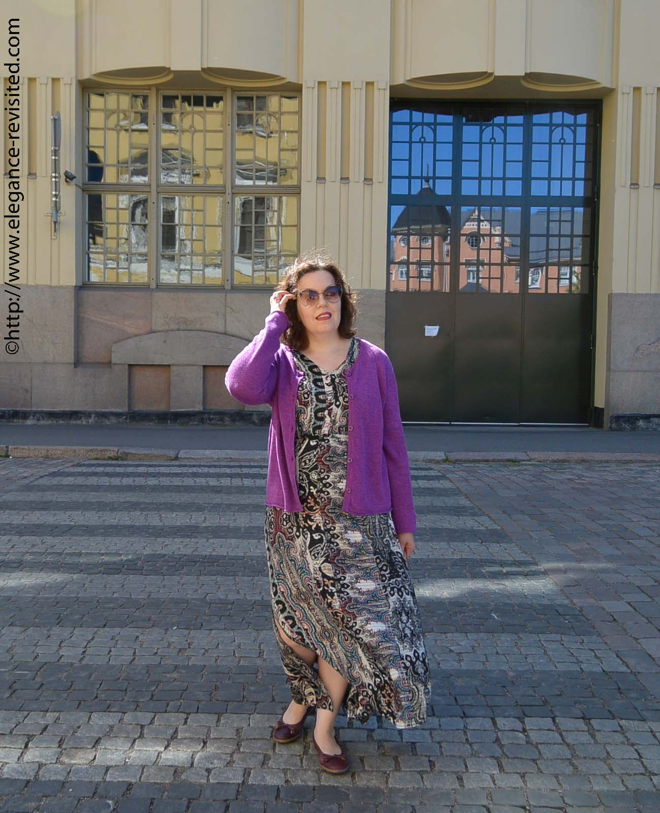 how to wear a maxidress over 40