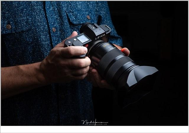 Met de Leica SL in de hand.