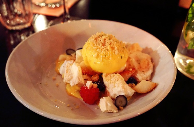 Gluten free pavlova from 100 Hoxton in Shoreditch | Gluten free Shoreditch guide | Gluten free London | Brick Lane | Old Street | Spitalfields | Hoxton | East London