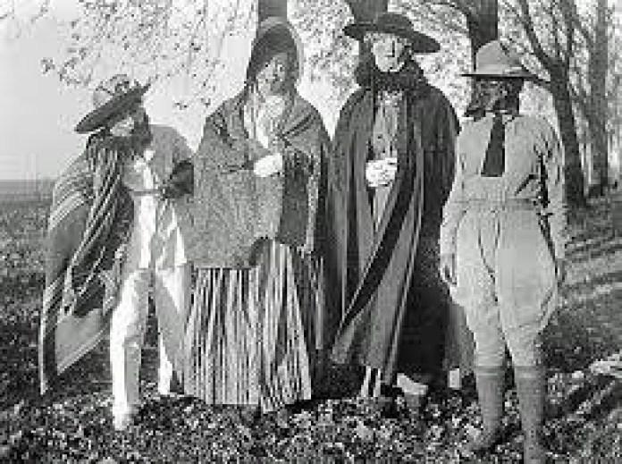 halloween date 2018 costumes