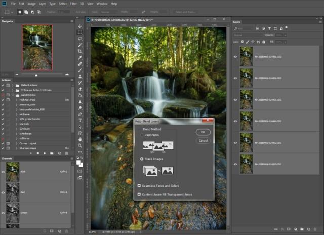 Stap 5 = Kies in het pop-up window de optie [Stack Images] en vink de twee opties [Seamless Tones and Colors] en [Content Aware Full Transparant Areas] aan.