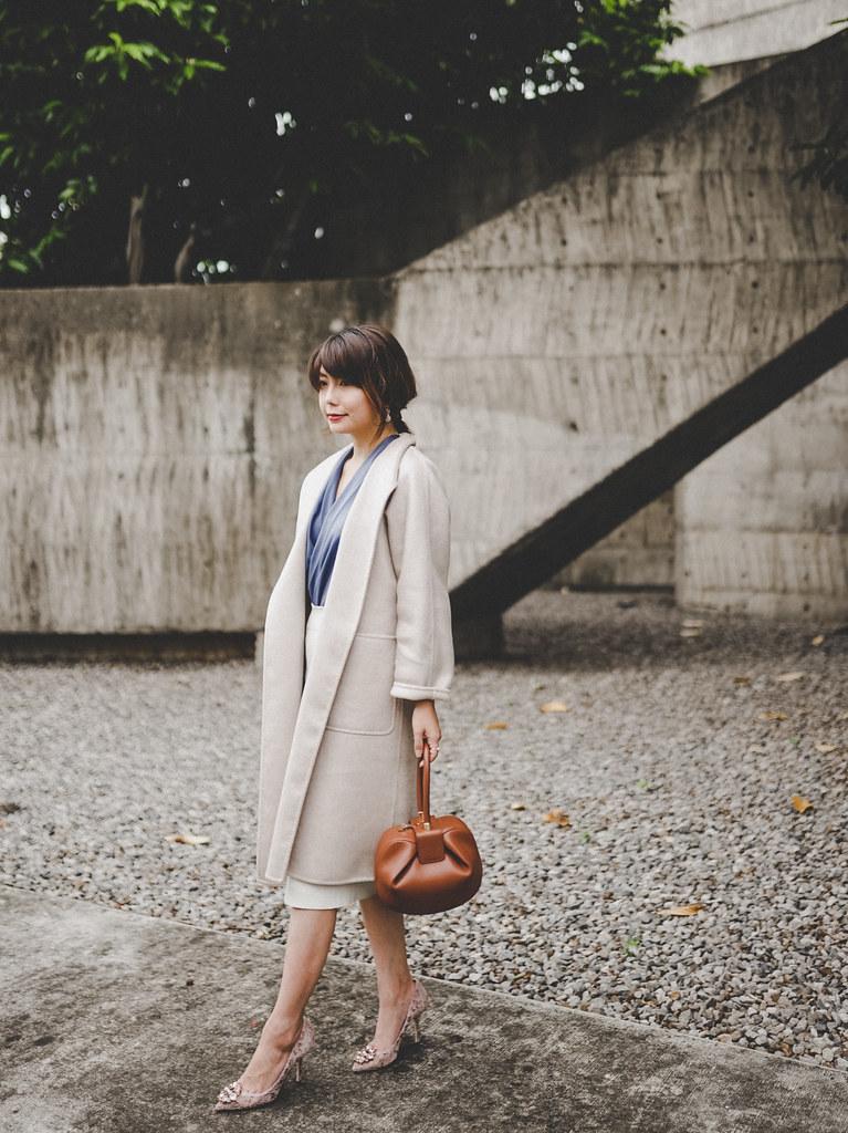 ▌那些年,我認真買的包 ▌質感不需要logo,自己就是最好的襯托:Max Mara Lilia Cashmere Coat + Gabriela Hearst Nina Bag