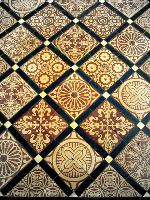 Floor tile in the Quire  Rochester Cathedral  Kotomi