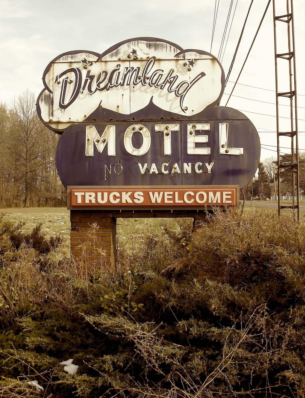 Dreamland Motel - Norwalk, Ohio U.S.A. - November 27, 2008