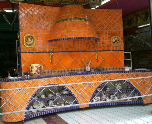 MUNDO DE AZULEJOS orange kitchen  Mundo de Azulejos
