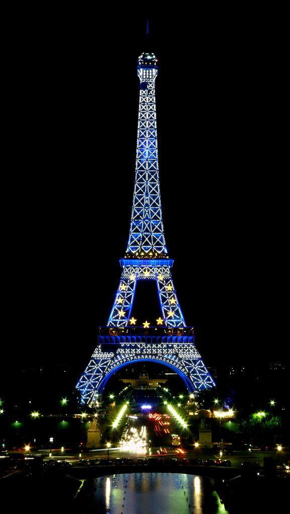 Blue Eiffel tower  la tour Eiffel en bleu  Prsidence fr