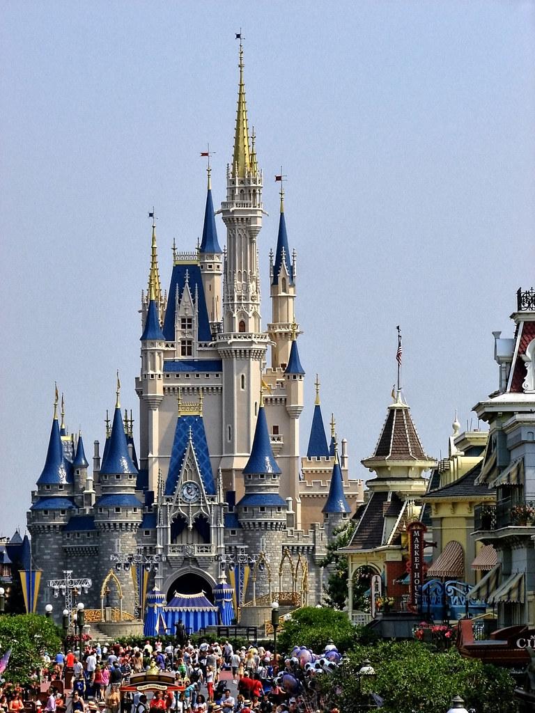 3d Street Wallpaper Disney Cinderella Castle From The Main Street Train Stat