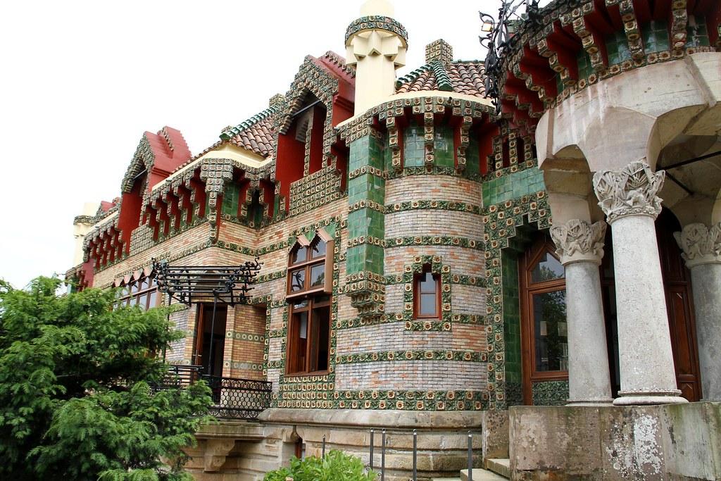 Il capriccio di Gaudi  Comillas Spagna del nord Dopo ca  Flickr