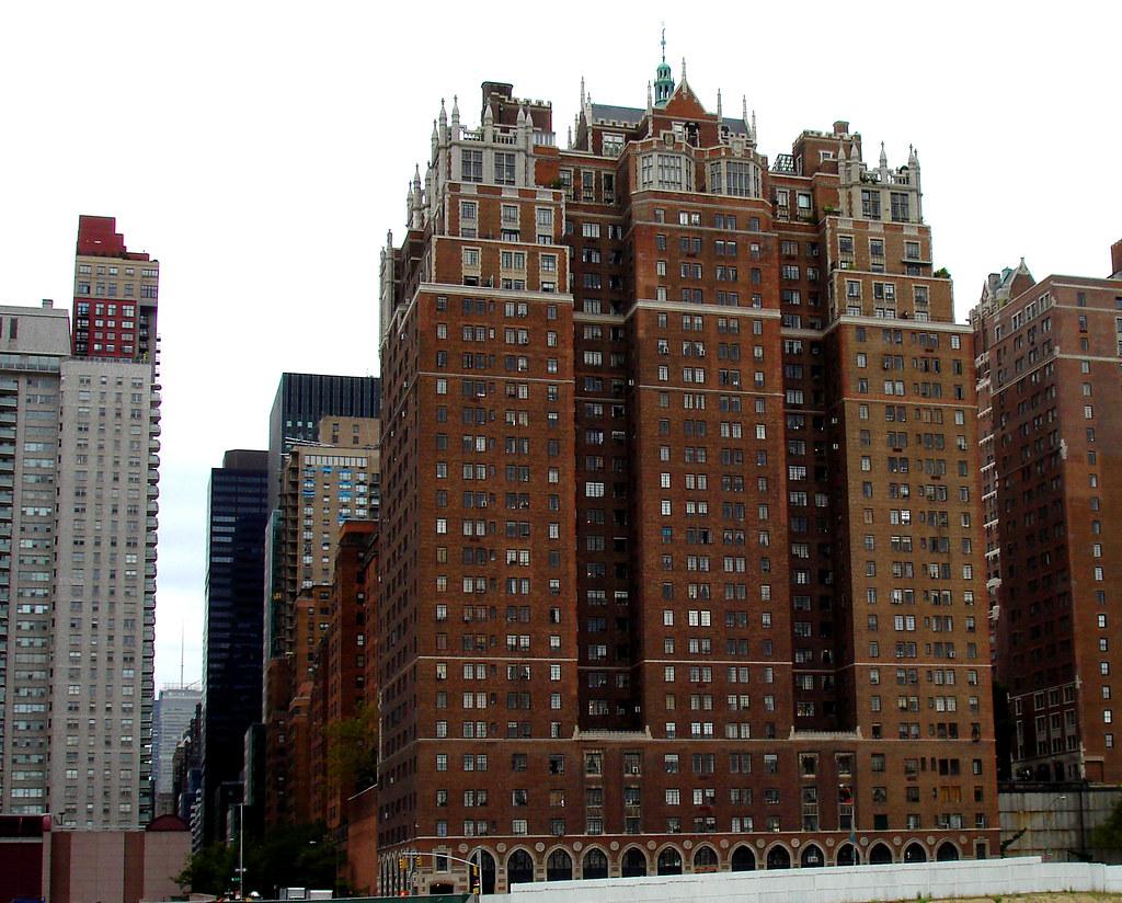Tudor City Manhattan  Stylish and imposing apartment