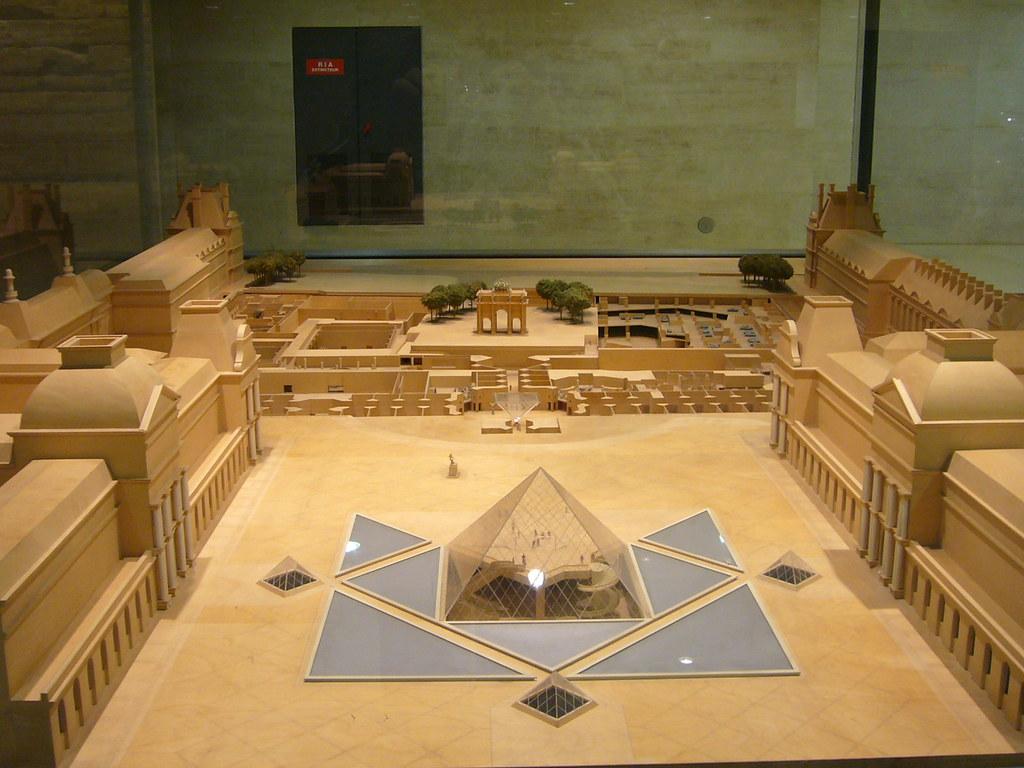 Maqueta Musee du Louvre  Imagen de la maqueta del museo