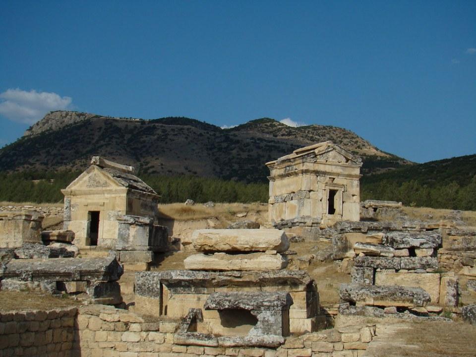Turquia Hierapolis Necropolis 20