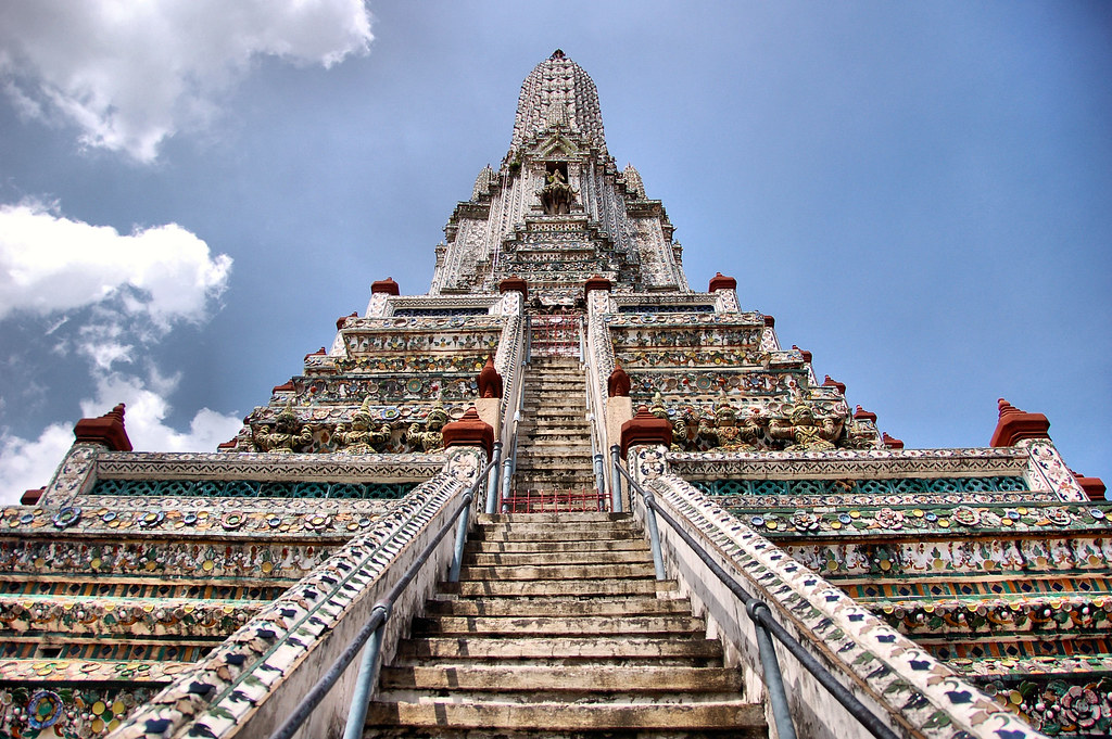 Temple of DawnStairs of Mordor  Wat Arun along the Chao