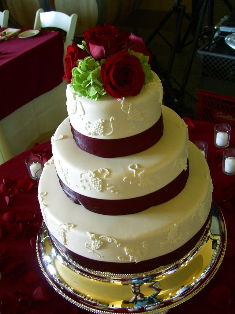 Vineyard Wedding Cake The Wedding Reception Was Held In