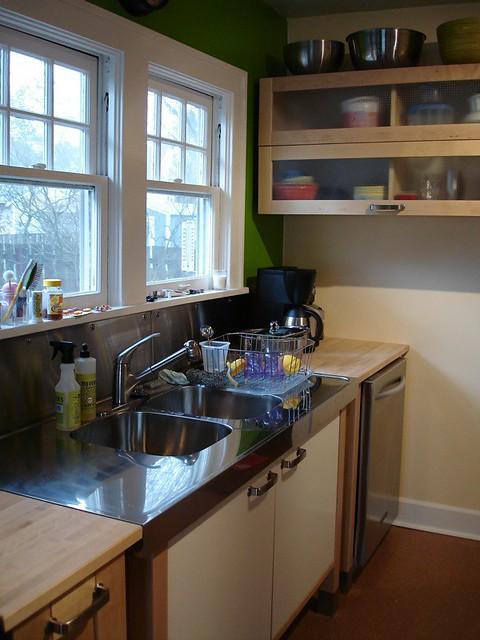 IKEA Varde Kitchen apple green wall meets beeswax wall ac
