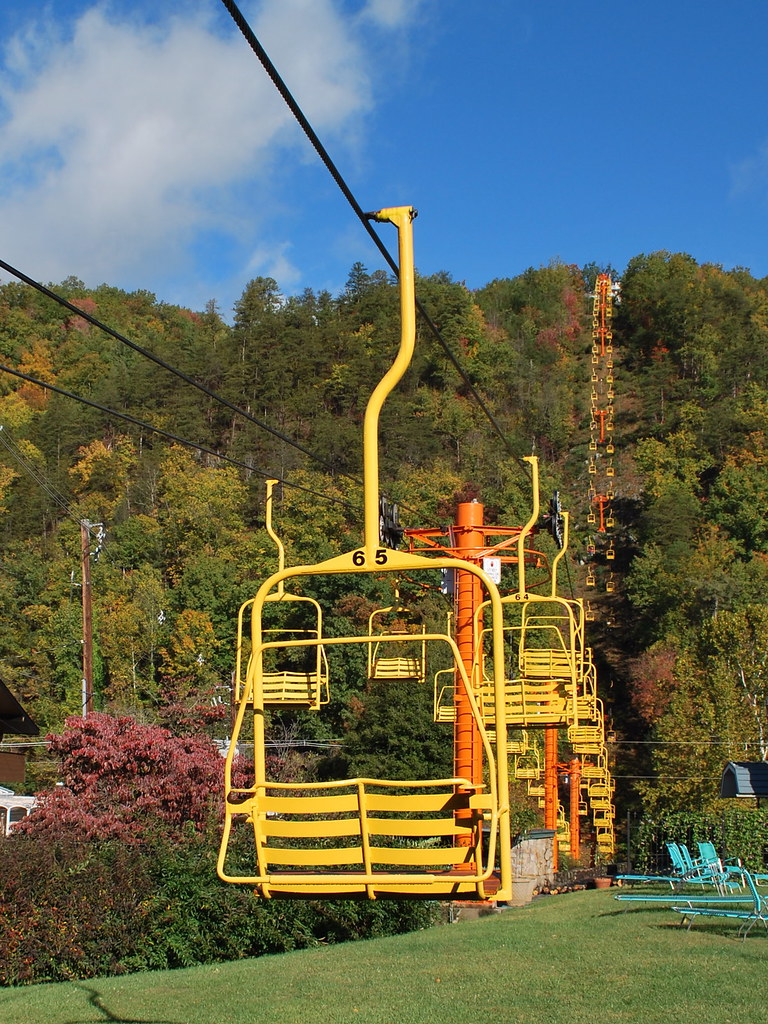 Chair Lift  The Gatlinburg Sky Lift offering a view of