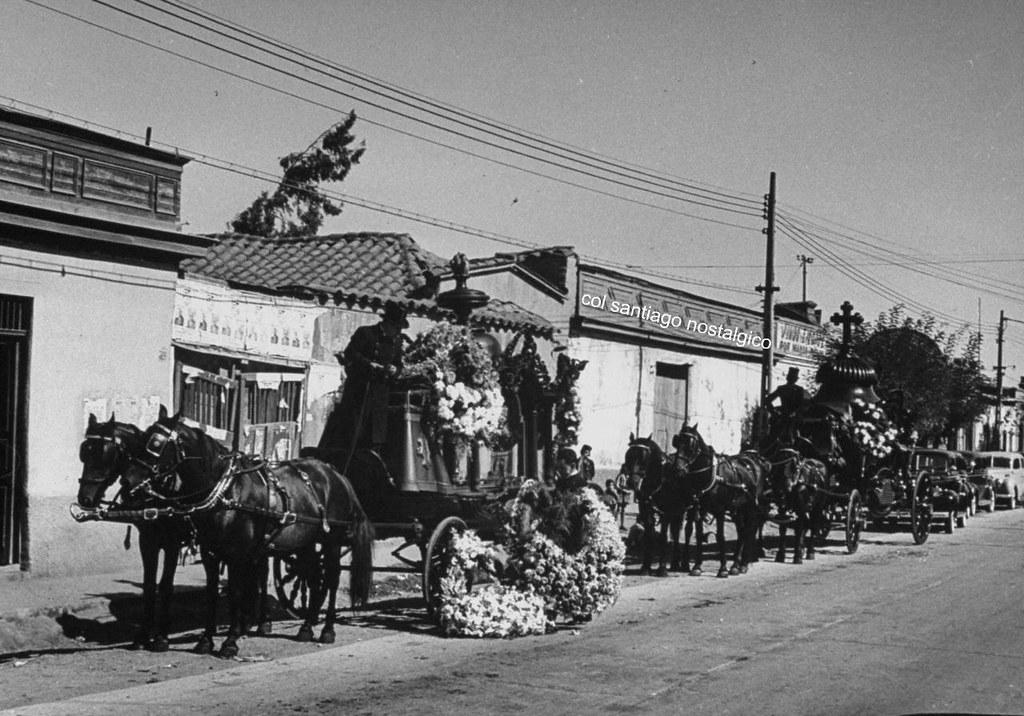 cocheros de carroza funebre en santiago 1941  Funeral