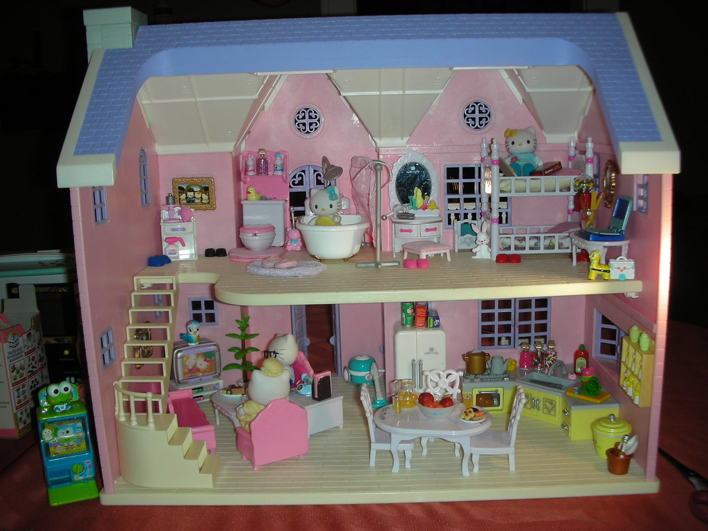 Hello Kitty Deluxe Dollhouse  Made by Bandai in 2003 I wo  Flickr