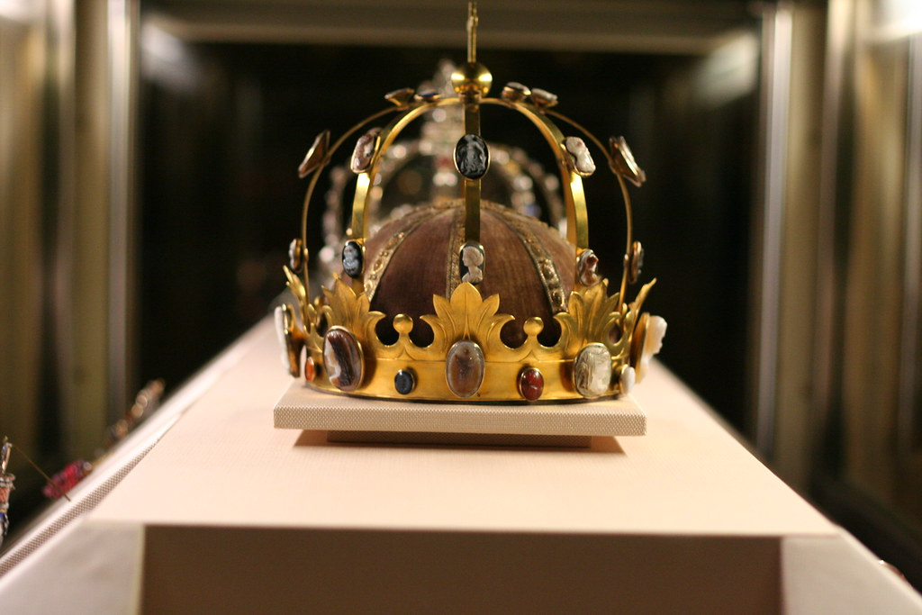 CHARLEMAGNES CROWN louvre  update The Crown of