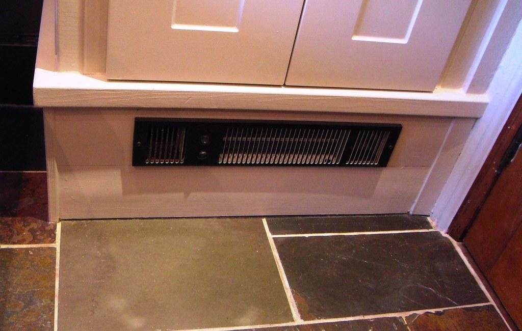 33 Linen Cupboard Kickspace Heater  Smiths SS5W12 volt