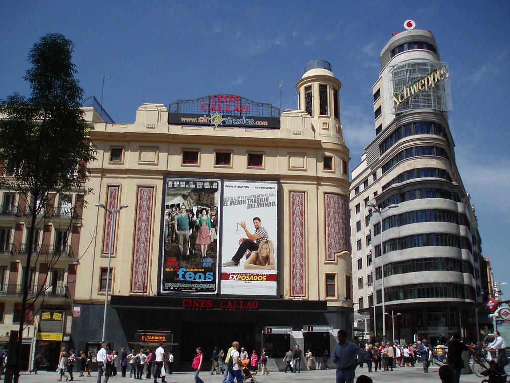 Cines Callao y Capitol Gran Va  Cerca de la Gran Va
