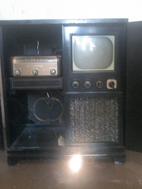 Admiral 4HI335 Console TVRadioPhonograph 1947  I