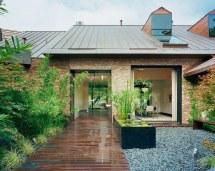 Austin Modern Lake House- Entry Courtyard Peninsula
